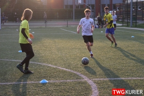 """Uczniowski Klub Sportowy """"Akademia Piłki Nożnej"""" z Tworoga - trening 8"""