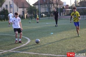 """Uczniowski Klub Sportowy """"Akademia Piłki Nożnej"""" z Tworoga - trening 9"""