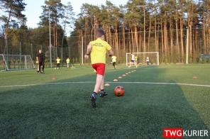 """Uczniowski Klub Sportowy """"Akademia Piłki Nożnej"""" z Tworoga - trening 16"""