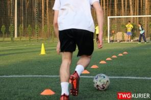 """Uczniowski Klub Sportowy """"Akademia Piłki Nożnej"""" z Tworoga - trening 13"""
