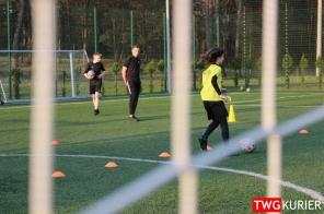 """Uczniowski Klub Sportowy """"Akademia Piłki Nożnej"""" z Tworoga - trening 17"""