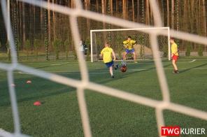 """Uczniowski Klub Sportowy """"Akademia Piłki Nożnej"""" z Tworoga - trening 19"""