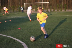 """Uczniowski Klub Sportowy """"Akademia Piłki Nożnej"""" z Tworoga - trening 20"""
