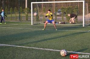"""Uczniowski Klub Sportowy """"Akademia Piłki Nożnej"""" z Tworoga - trening 22"""