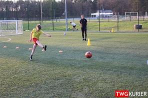 """Uczniowski Klub Sportowy """"Akademia Piłki Nożnej"""" z Tworoga - trening 21"""