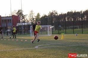 """Uczniowski Klub Sportowy """"Akademia Piłki Nożnej"""" z Tworoga - trening 25"""