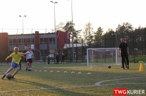 """Uczniowski Klub Sportowy """"Akademia Piłki Nożnej"""" z Tworoga - trening 27"""