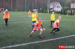 """Uczniowski Klub Sportowy """"Akademia Piłki Nożnej"""" z Tworoga - trening 31"""