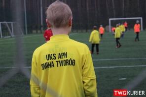 """Uczniowski Klub Sportowy """"Akademia Piłki Nożnej"""" z Tworoga - trening 33"""