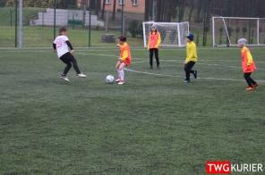 """Uczniowski Klub Sportowy """"Akademia Piłki Nożnej"""" z Tworoga - trening 37"""